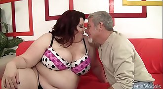 Fat Beauty Gets Her Mouth and Twat Filled with a Thick Hard-on